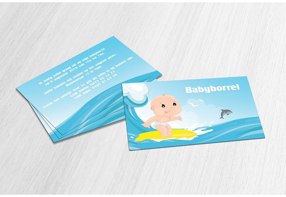 Baby op surfplank